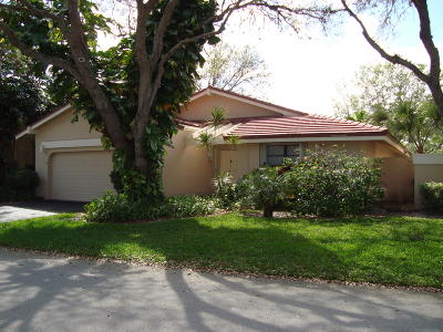 Deerfield Beach Single Family Home For Sale: 627 Hollows Circle