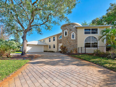 Tequesta Single Family Home For Sale: 19810 Riverside Drive