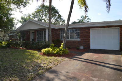 Tequesta Single Family Home For Sale: 360 Tequesta Drive