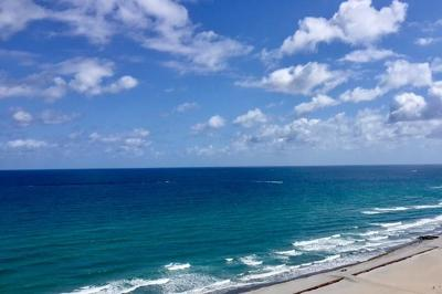Sabal Shores, Sabal Shores Apts Condo, Sabal Shores Condo Condo For Sale: 600 S Ocean Boulevard #1602