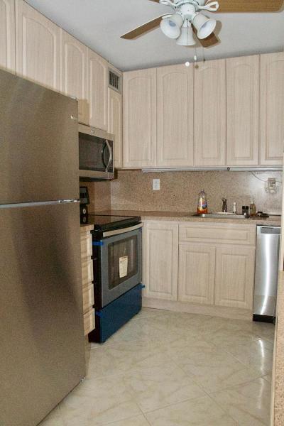 Delray Beach Condo For Sale: 958 Flanders T