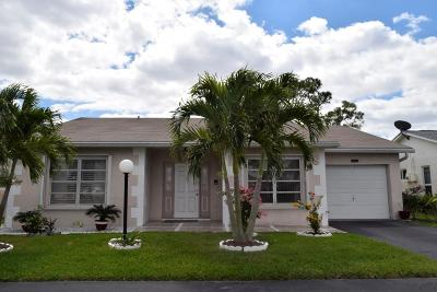 Lake Worth Single Family Home For Sale: 7474 Pine Park Drive S