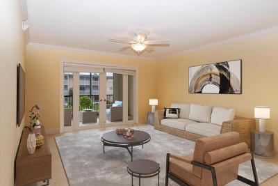 North Palm Beach Condo For Sale: 124 Shore Court #208