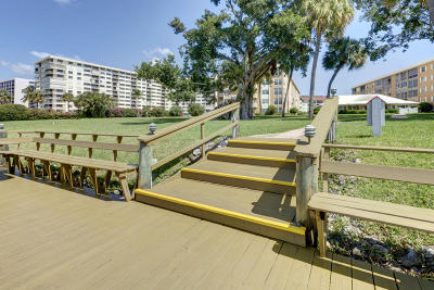 North Palm Beach Condo For Sale: 308 Golfview Road #203