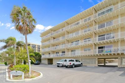 Palm Beach Condo Contingent: 4500 S Ocean Boulevard #309