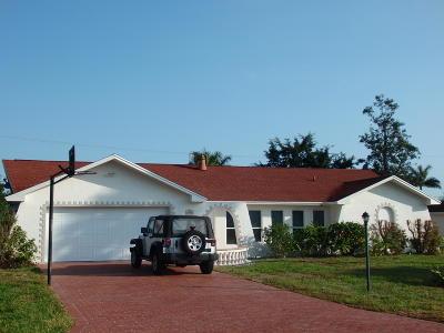 Hobe Sound Single Family Home For Sale: 8027 SE Coconut Street
