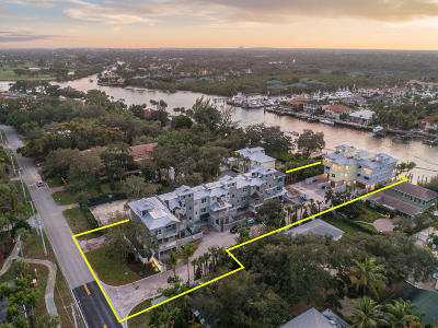 North Palm Beach Townhouse Contingent: 1027 Harbor Villas Drive #3