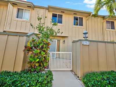 Townhouse Closed: 6198 Riverwalk Lane #5