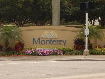 Boynton Beach Townhouse For Sale: 111 Lake Monterey Circle