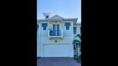 Juno Beach Townhouse For Sale: 140 Ocean Breeze Drive #4