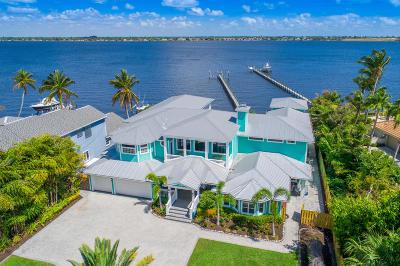 Stuart Single Family Home For Sale: 2051 SE Riverside Drive