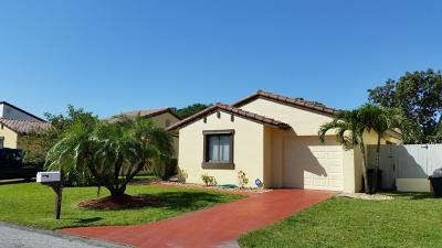 Lake Worth Single Family Home For Sale: 2840 Sand Pines Court