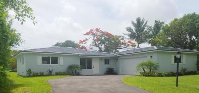 Tequesta Single Family Home For Sale: 52 Pinetree Place