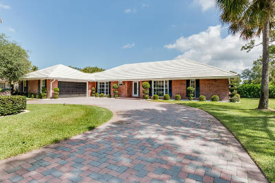 Atlantis Single Family Home For Sale: 513 S Country Club Drive