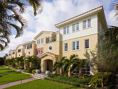 Delray Beach Townhouse For Sale: 1216 Palm Trail #F