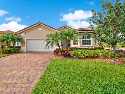 Jensen Beach Single Family Home For Sale: 4276 NW Oakbrook Circle