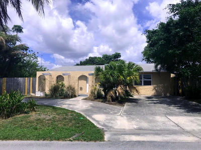 Pompano Beach Single Family Home For Sale: 2701 NE 10 Avenue
