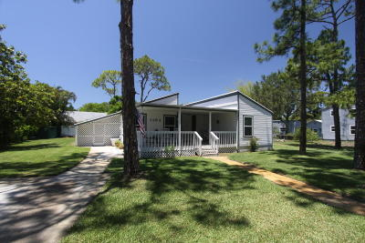 Palm City Single Family Home For Sale: 1102 SW Pine Tree Lane