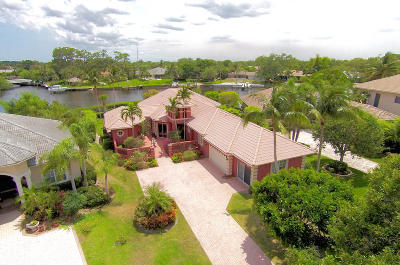 Single Family Home Sold: 8853 SE Compass Island Way