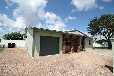 Palm Beach Gardens Single Family Home For Sale: 555 Holly Drive
