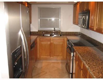 Monterey House Condo Condo For Sale: 3114 S Ocean Boulevard #308