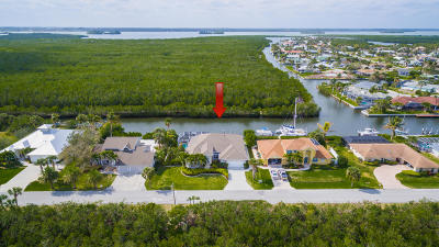 Fort Pierce Single Family Home For Sale: 105 Queens Road