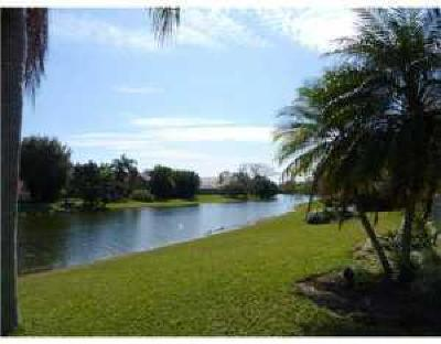 Coconut Creek Condo For Sale: 2302 Lucaya Lane #E2