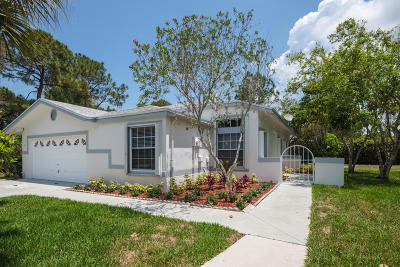Royal Palm Beach Single Family Home For Sale: 118 Churchill Drive