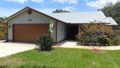 Palm City Single Family Home Contingent: 1239 SW Covered Bridge Drive