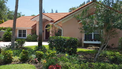 Hobe Sound Single Family Home Contingent: 8136 SE Windjammer Way