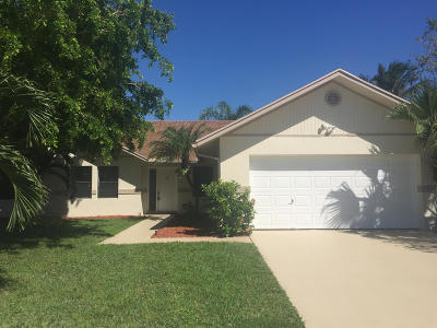 Boynton Beach Single Family Home For Sale: 43 Cedar Circle