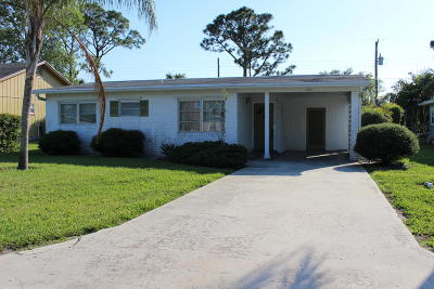Stuart Single Family Home Contingent: 5598 SE Avalon Drive