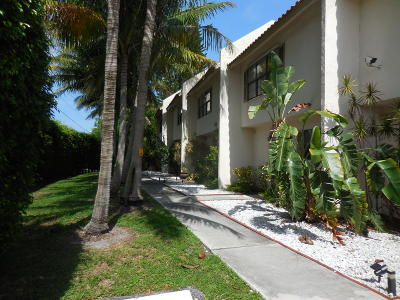 Delray Beach Townhouse Contingent: 200 Avenue L #2