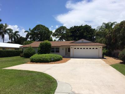 Hobe Sound Single Family Home Contingent: 9740 SE Gomez Avenue