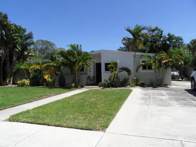 West Palm Beach Single Family Home For Sale: 210 Worth Court