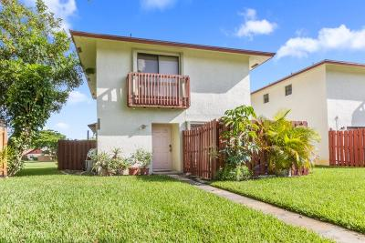 West Palm Beach Single Family Home For Sale: 5349 Bonky Court