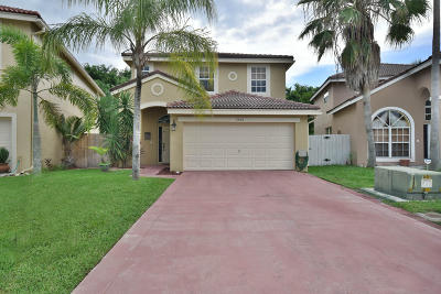 Lake Worth Single Family Home For Sale: 7936 Lakewood Cove Court