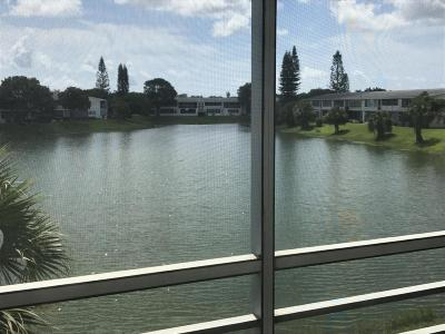West Palm Beach Condo For Sale: 230 Somerset L