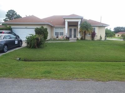 Port Saint Lucie Single Family Home For Sale: 1417 SW Devera Avenue
