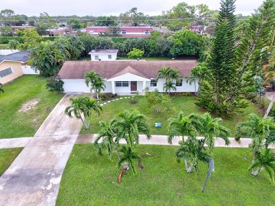 Lake Worth Single Family Home For Sale: 7404 Saint Andrews Road