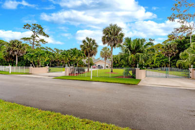 West Palm Beach Single Family Home For Sale: 580 Pine Hollow Lane