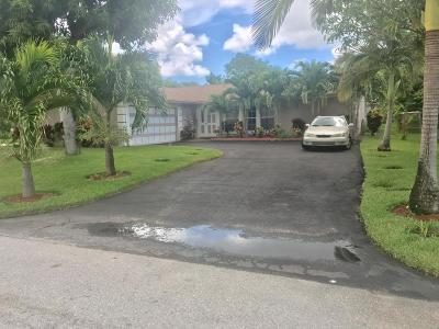 Delray Beach Single Family Home For Sale: 761 Place Chateau