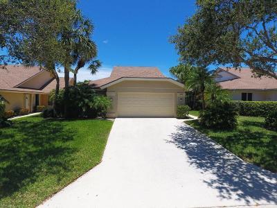Jupiter Single Family Home For Sale: 225 Ridge Road