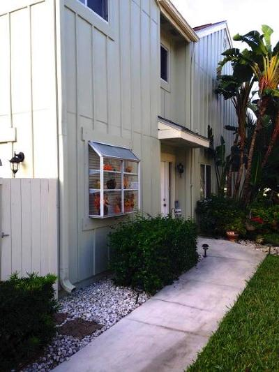 Townhouse Closed: 6214 Riverwalk Lane #1