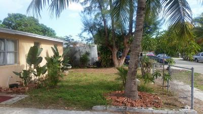 Delray Beach Single Family Home For Sale: 319 SW 8th Court