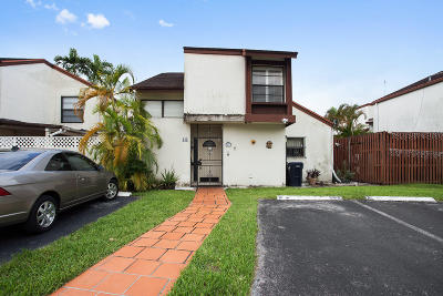 Miami Townhouse For Sale: 445 NW 98th Court #445