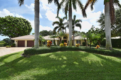 Boynton Beach Single Family Home For Sale: 4904 S Lake Drive