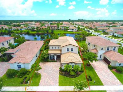 Jupiter Single Family Home Contingent: 151 Castle Island Place