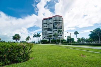 West Palm Beach Condo Sold: 1900 Consulate Place #1904
