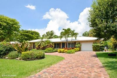 Delray Beach Single Family Home For Sale: 220 Palm Trail